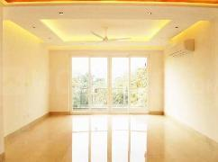 Gallery Cover Image of 2100 Sq.ft 3 BHK Independent Floor for buy in Chittaranjan Park for 44000000