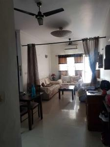 Gallery Cover Image of 1200 Sq.ft 2 BHK Apartment for rent in Shipra Krishna Azure, Kaushambi for 21000
