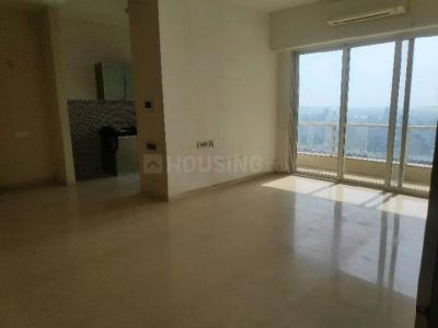 Gallery Cover Image of 750 Sq.ft 2 BHK Apartment for rent in Malad East for 45000