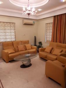 Gallery Cover Image of 1260 Sq.ft 2 BHK Apartment for rent in Alipore for 50000