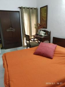 Gallery Cover Image of 400 Sq.ft 1 RK Independent House for rent in Defence Colony for 30000