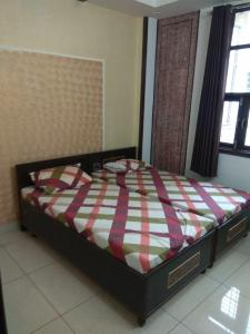 Gallery Cover Image of 1250 Sq.ft 1 BHK Apartment for rent in Mehrauli for 15000