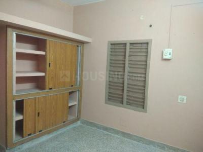 Gallery Cover Image of 2400 Sq.ft 3 BHK Independent Floor for rent in Old Pallavaram for 15000