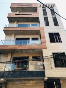 Gallery Cover Image of 900 Sq.ft 3 BHK Independent Floor for buy in Sector 17 Rohini for 10500000