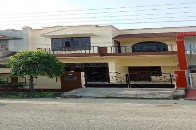 Gallery Cover Image of 2466 Sq.ft 3 BHK Independent House for rent in Modipuram for 15000