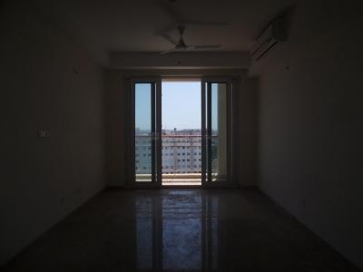 Gallery Cover Image of 1600 Sq.ft 3 BHK Apartment for buy in DLF Commanders Court, Egmore for 24000000