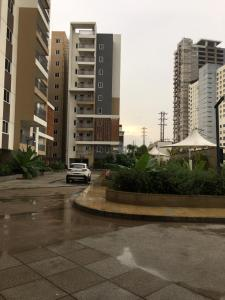 Gallery Cover Image of 1735 Sq.ft 3 BHK Apartment for rent in Nanakram Guda for 55000