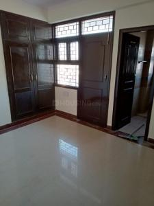 Gallery Cover Image of 2000 Sq.ft 4 BHK Apartment for rent in Vinayak Apartment, Sector 10 Dwarka for 36000