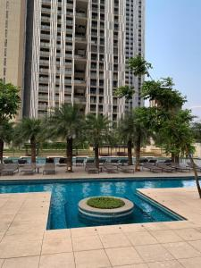 Gallery Cover Image of 838 Sq.ft 2 BHK Apartment for buy in Lodha New Cuffe Parade, Sion for 21100000