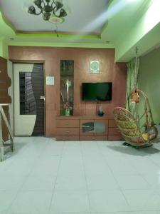 Gallery Cover Image of 1100 Sq.ft 3 BHK Apartment for rent in Kasarvadavali, Thane West for 35000