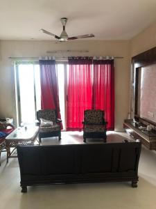 Gallery Cover Image of 2115 Sq.ft 3 BHK Apartment for rent in Lodha Golflinks, Khidkali for 38000