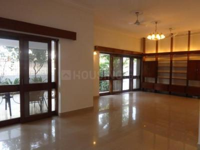 Gallery Cover Image of 2400 Sq.ft 3 BHK Independent Floor for rent in Safdarjung Development Area for 125000