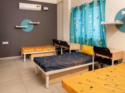 डोमलूर लेआउट में ओम साई पीजी के बेडरूम की तस्वीर