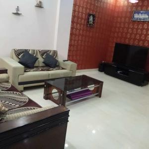 Gallery Cover Image of 1179 Sq.ft 3 BHK Independent Floor for buy in Sector 49 for 4000000