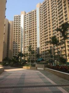 Gallery Cover Image of 600 Sq.ft 1 BHK Apartment for rent in Gurukrupa Marina Enclave, Malad West for 26000