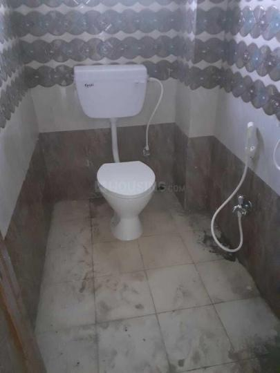 Common Bathroom Image of 450 Sq.ft 1 BHK Apartment for rent in Chinar Park for 7200