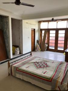 Gallery Cover Image of 1440 Sq.ft 2 BHK Independent Floor for buy in Saket for 19000000