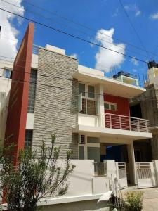 Gallery Cover Image of 1800 Sq.ft 3 BHK Independent House for rent in Hennur Main Road for 38000