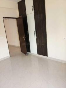 Gallery Cover Image of 1295 Sq.ft 3 BHK Apartment for rent in Noida Extension for 12000