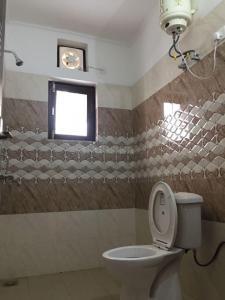 Bathroom Image of Girls PG in Sector 49