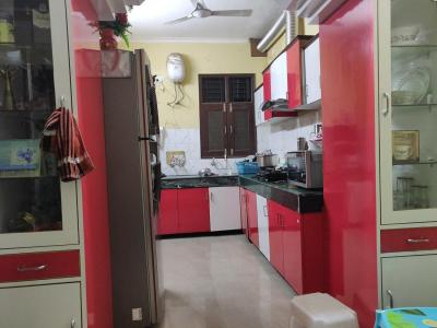 Gallery Cover Image of 1200 Sq.ft 4 BHK Apartment for rent in Kharar for 22000