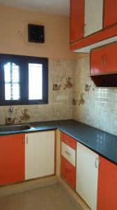Gallery Cover Image of 900 Sq.ft 2 BHK Independent House for rent in Murugeshpalya for 16000