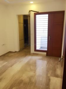 Gallery Cover Image of 1850 Sq.ft 3 BHK Independent Floor for buy in Sector 75 for 7900000