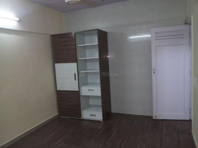 Gallery Cover Image of 650 Sq.ft 1 BHK Apartment for rent in Goregaon West for 24000