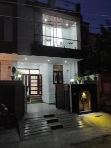 Gallery Cover Image of 1800 Sq.ft 3 BHK Villa for buy in Malviya Nagar for 8100000