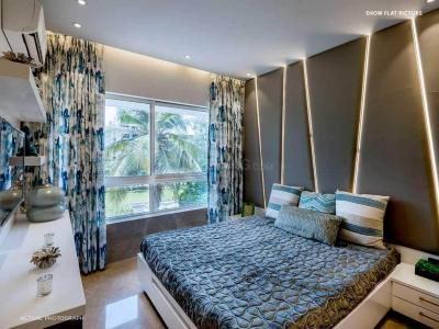 Gallery Cover Image of 646 Sq.ft 2 BHK Apartment for buy in Borivali West for 18000000