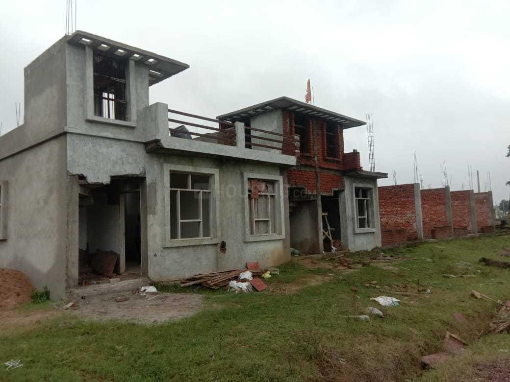 Building Image of 4500 Sq.ft 1 BHK Independent House for buy in Jankipuram Extension for 1125000