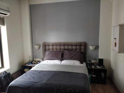 Gallery Cover Image of 650 Sq.ft 1 BHK Apartment for rent in Khar West for 50000