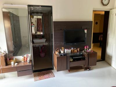 Gallery Cover Image of 28000 Sq.ft 3 BHK Independent Floor for rent in Kondhwa for 45000