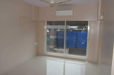 Gallery Cover Image of 980 Sq.ft 2 BHK Apartment for rent in Santacruz East for 60000