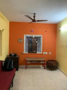Gallery Cover Image of 1400 Sq.ft 3 BHK Independent House for rent in Iyyappanthangal for 19000