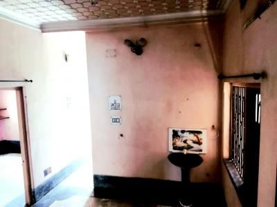 Gallery Cover Image of 850 Sq.ft 2 BHK Independent House for rent in Thakurpukur for 7000