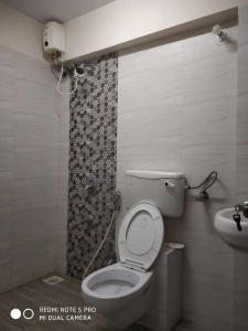 Bathroom Image of PG 4271130 Malad West in Malad West