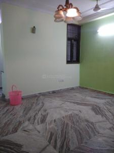 Gallery Cover Image of 1250 Sq.ft 3 BHK Apartment for rent in Paryavaran Complex, Sheikh Sarai for 20000
