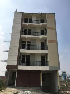 Gallery Cover Image of 925 Sq.ft 2 BHK Apartment for buy in Gayatri Vatika, Sector 121 for 2250000