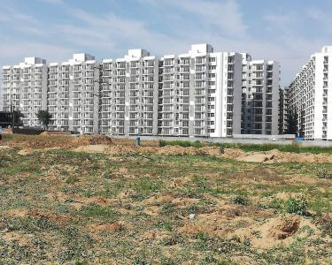 Gallery Cover Image of 425 Sq.ft 1 BHK Apartment for buy in Sector 36A for 2100000