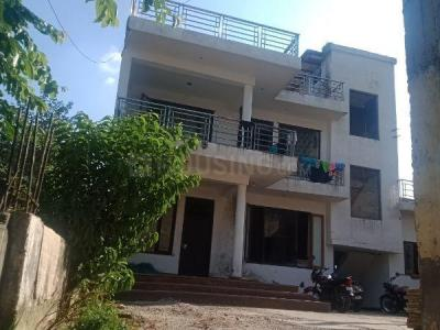 Gallery Cover Image of 400 Sq.ft 2 BHK Independent Floor for rent in Aya Nagar for 15000