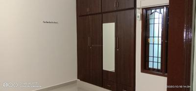 Gallery Cover Image of 1300 Sq.ft 3 BHK Independent Floor for rent in Choolaimedu for 26000