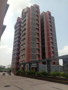 Gallery Cover Image of 2124 Sq.ft 3 BHK Apartment for buy in H R Aavali Signature, Bhat for 9000001