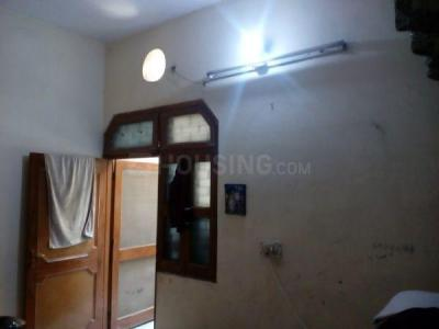 Gallery Cover Image of 500 Sq.ft 2 BHK Independent House for rent in Burari for 6500
