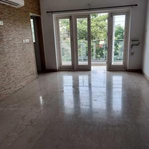 Gallery Cover Image of 1600 Sq.ft 3 BHK Apartment for buy in Thiruvanmiyur for 24000000