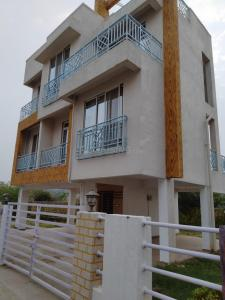 Gallery Cover Image of 5340 Sq.ft 4 BHK Villa for buy in Spanish Villa, Vasai East for 13300000