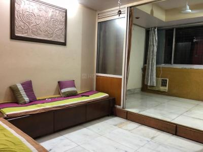 Gallery Cover Image of 580 Sq.ft 2 BHK Apartment for rent in Ghatkopar East for 35000
