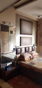 Gallery Cover Image of 480 Sq.ft 1 BHK Apartment for rent in Mazgaon for 40000