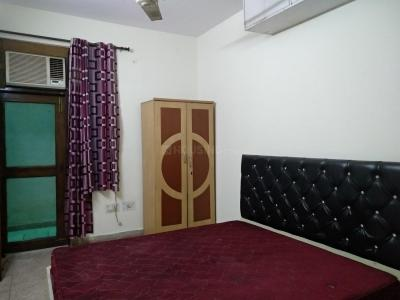 Bedroom Image of Sumit PG in Chhattarpur