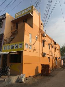 Gallery Cover Image of 600 Sq.ft 1 BHK Independent House for rent in Ennaikaran for 6500